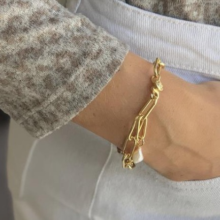 Boho Betty Ukelele Bracelet Gold